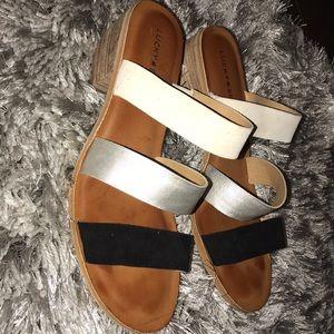 Lucky Brand LK-Rileigh2 Sandals
